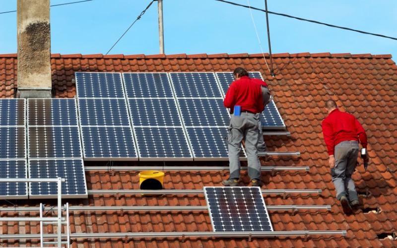zonnepanelen plaatsen op dak